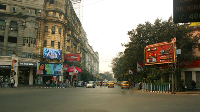 ছবিঃ নিউ মার্কেটের নিকট, কলকাতা
