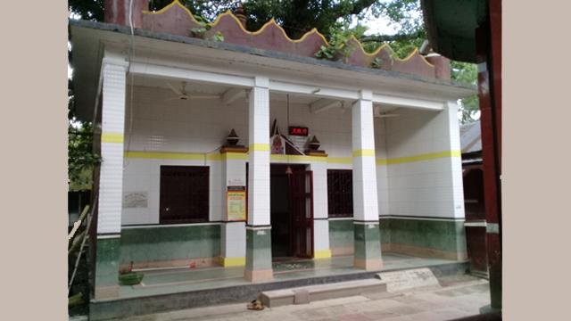 ভরতখালি কাষ্ঠ মন্দির ও হাড্ডিসার কাচারি বাড়ি : মীম মিজান